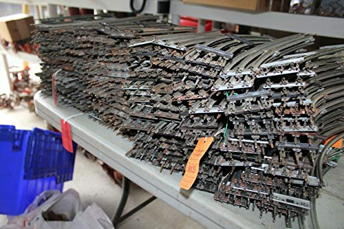 Lot of Lionel 027 Vintage Tracks 210 Straight and 150 Curved train track toy ()