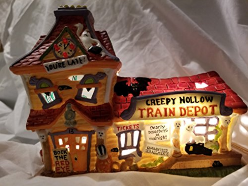 Creepy Hollow Train Depot Limited Edition of 3500 Pieces ()