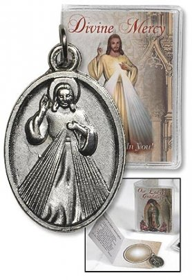 """Religious & Catholic Men or Womens Medals, 5pc Lot, Divine Mercy Jesus Chirst Medal with Folder, Size: 2 1⁄4 X 3 1⁄4"""" W (Open), 1"""" H Medal. Great for Give Aways Medals for Those Sick or in Need. L"""