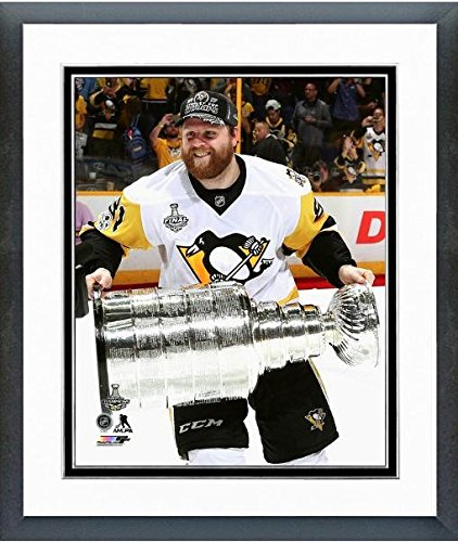 Phil Kessel Pittsburgh Penguins 2017 Stanley Cup Trophyフォト(サイズ: 22.5