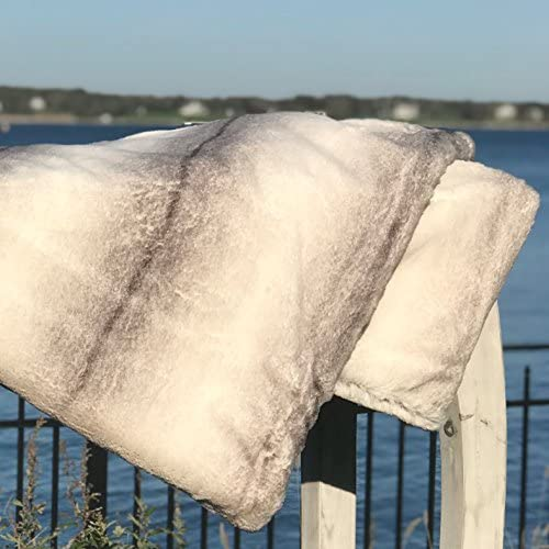 Over 6 Ft Long, Creamy White Gray Verso Super Soft Faux Fur 78 3//4 L x 59 W Inches Machine Washable 21.27 Rustic Pastel Silver WHW Whole House Worlds Cozy Cottage Cuddle Up Blanket King
