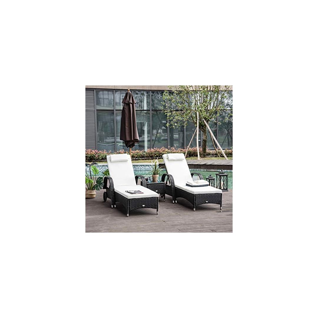 Choosing rattan garden benches