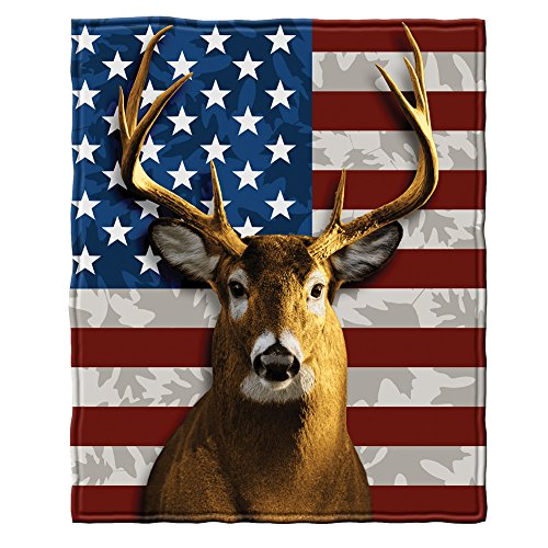 - American Whitetail Deer Fleece Throw Blanket