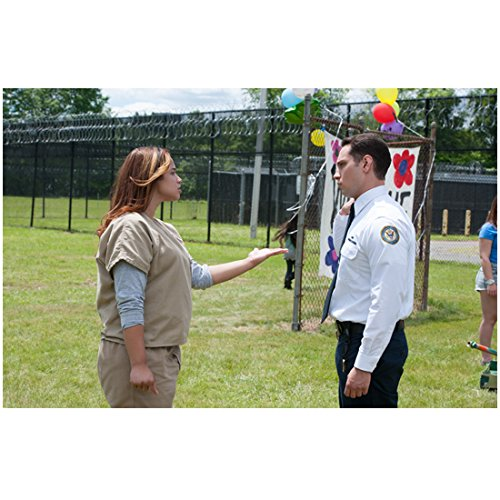 Orange Is The New Black 8 Inch By 10 Inch Photograph Matt Mcgorry Having Discussion W Dascha Polanco Outside Kn