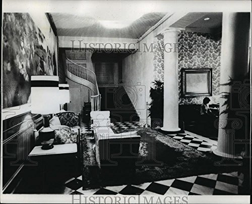 Vintage Photos Historic Images 1978 Press Photo Bourbon Orleans Ramada Hotel Lobby Architecture - noa44371-8.25 x 10 in