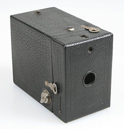 KODAK BROWNIE BOX CAMERA