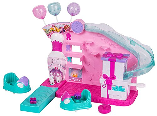 Shopkins Join the Party Large Playset - Party Game Arcade (Breaker Cake Sea)