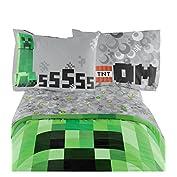 51TvyJhPM%2BL. SS177 Material: proporcionamos un juego de sábanas clásico con diseño de Minecraft. 100 % tejido de microfibra. Lleva elegancia a la habitación de tu hijo con este juego de sábanas. Tamaño ideal, fácil de usar. Este juego contiene 1 sábana ajustable, 1 sábana plana y 1 funda de almohada estándar. Medidas de la sábana plana: 167,65 x 243,85 cm. Medidas de la sábana ajustable: 99,01 x 190,5 x 25,4 cm. La mayoría de los niños deberían ser capaces de utilizarla. Información del color: una combinación de colores exclusiva le da un aspecto elegante. Los explosivos personajes de Minecraft en el frente con diversos colores, sin lugar a duda captarán la atención de tu hijo.