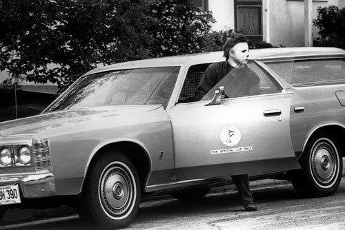 Halloween Michael Myers exits State of Illinois Ford Ltd 1978 station wagon 11x17 Mini -