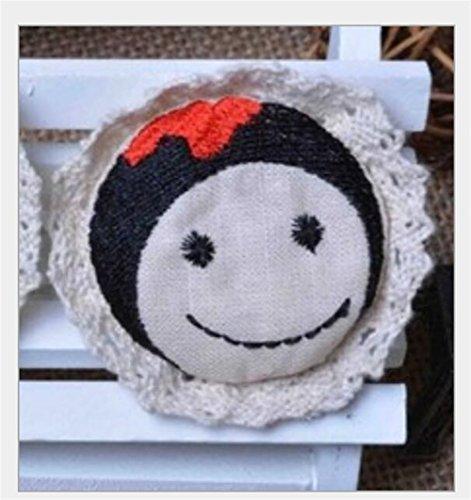 (Cute Design Round Cotton Linen Exquisite Vintage Brooches Button Badge)