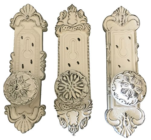 Curly Willow Home Accents French Country Vintage Door Knob Hooks Comes in Set of 3