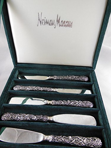 Set of 6 Neiman Marcus Exclusive Godinger Silver cheese Spreaders Grapevine design ()