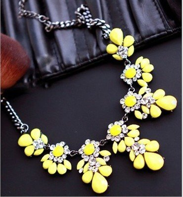 Gigamax(TM) Summer Style Collares Mujer Flowers Statement Necklaces & Pendants Imitated Gemstone Jewelry Collier Femme for Women Accessories [ Yellow ] (Yellow Necklace Tiffany)