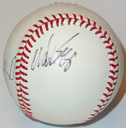 (WADE BOGGS + DWIGHT EVANS DUAL SIGNED VINTAGE ROALB BALL BOSTON RED SOX PSA/DNA)