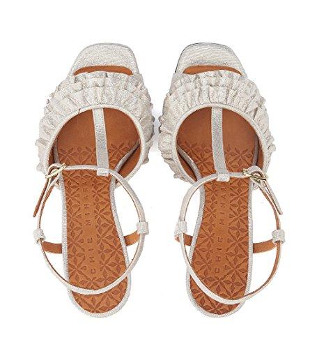 Chie Mihara Kvinna Brunella Metalliska Läder Klack Sandal Med Rouches Beige