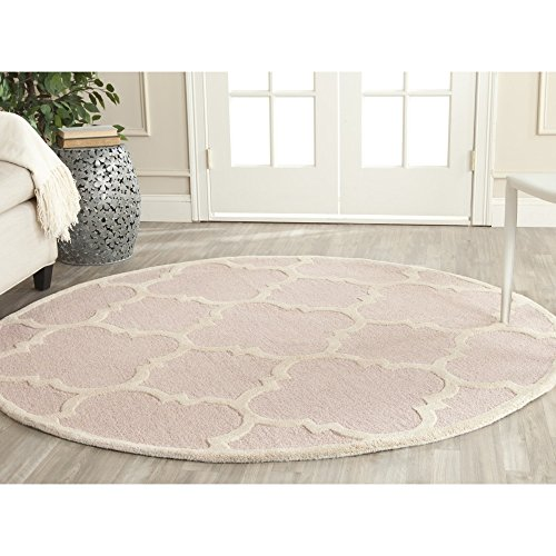 Safavieh Cambridge Collection CAM140M Handmade Moroccan Geometric Light Pink and Ivory Premium Wool Round Area Rug (6' Diameter)