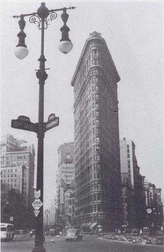 Flat Iron Building New York City 1937 by Bernd Lohse 11.75 x 9.25 Art Print Poster Vintage Image -