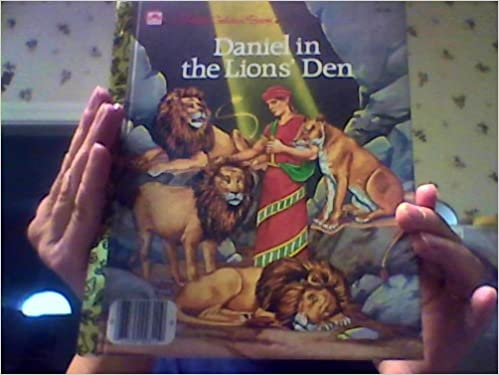daniel in the lions den a little golden book pamela broughton 9780307021595 amazoncom books