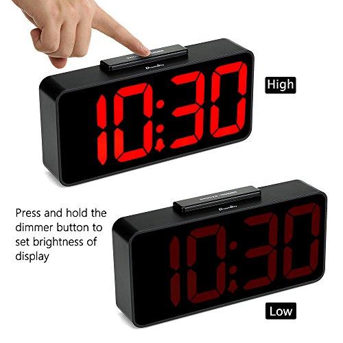 DreamSky Auto Time Alarm Clock Port for Snooze, Dimmer Vision Digital Bedside Desk DST.