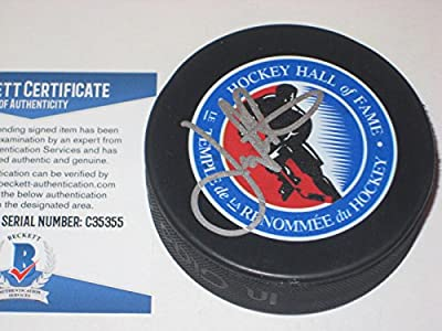 Joe Nieuwendyk Dallas, Calgary Signed Hall Of Fame Puck - Beckett Certified