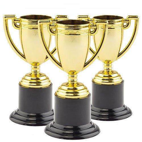 Baker Ross Mini Trofeos de Oro para Niños. Pequeños Juguetes Perfectos como Relleno de Piñata Premios y Regalos de Fiestas Infantiles (Pack de 6)