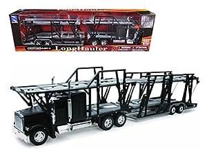 Freightliner Classic XL Car Hauler 1:32 Scale Diecast Truck Model