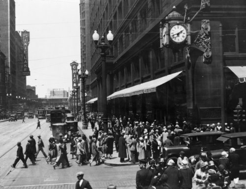 ca 1930 photo Crowded business district, State Street at Washington, Chicago, Illinois, with ornate clock on Marshall Field's Dept. store Vintage 8x10 Photograph - Ready to Frame