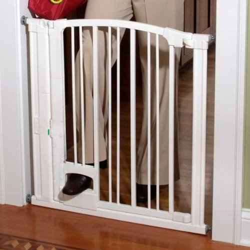 This Stylish Baby Gate Features A Hands Free Design That Can Easily Be Opened From Either Side By Way Of Convenient Foot Pedal It Is Pressure Mounted