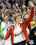 Pat Summitt Autographed Photograph - 8x10 Team USA Womens Basketball Coach PSA DNA #X71176 - Autographed College Photos