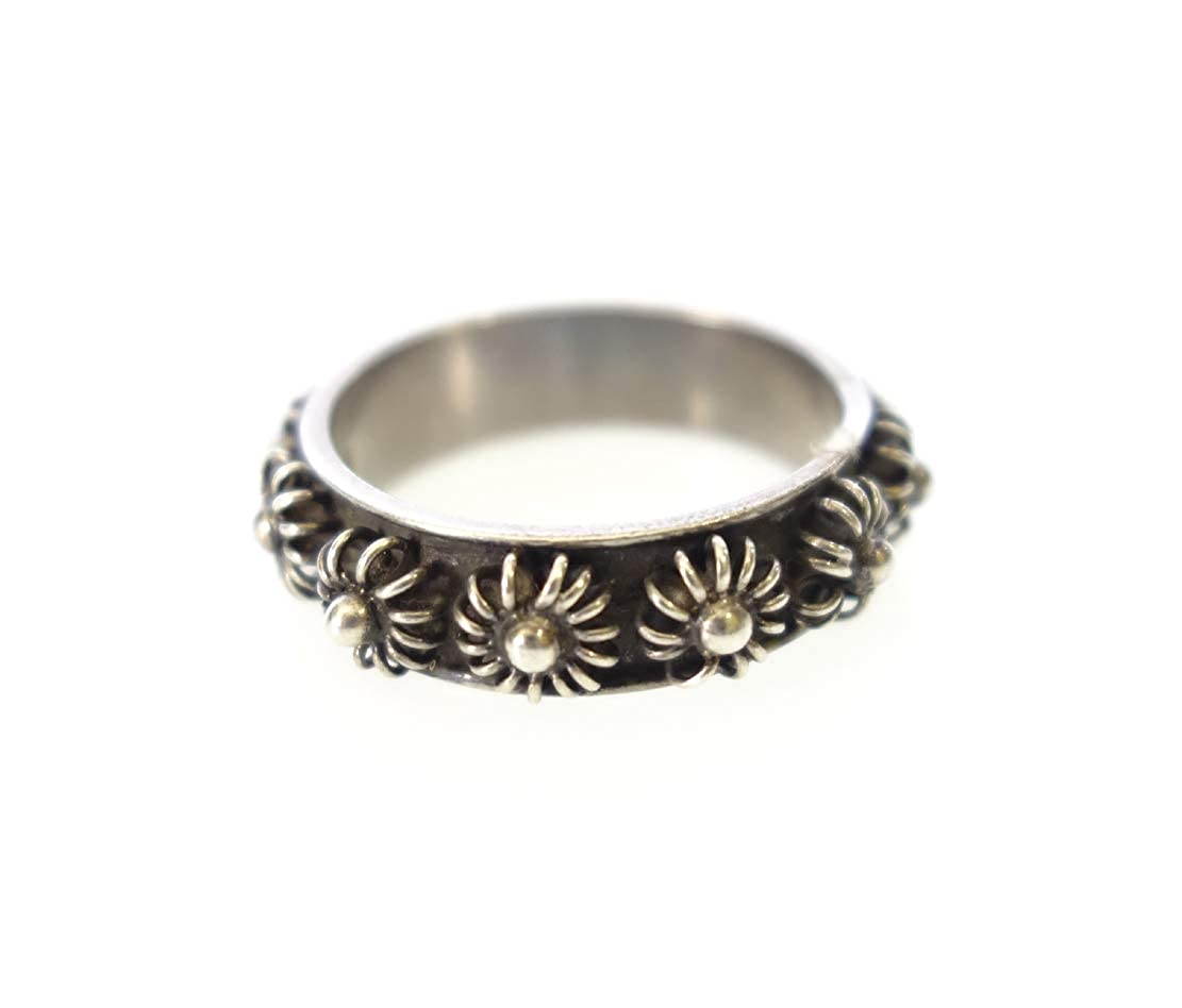 Oxidized Finish Antique Look Finger Band in .925 Sterling Silver Thumb Ring in Flower Filigree Design Gothic Fashion Unique Handmade Jewelry for Women//US Size 9