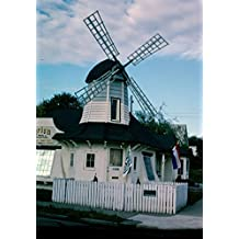 historic pictoric Roadside America Photo Collection | 2003 Windmill Building (once an ice cream stand, one of two or three), 11th & Perry, Spokane, Washington | Photo by: John Margolies | 24in x 30in