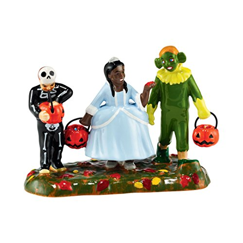 (Department 56 Halloween Village Party for Treats Accessory Figurine 4051016)