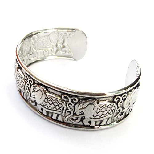 Exquisite Alloy Elephant Bangle Bracelet