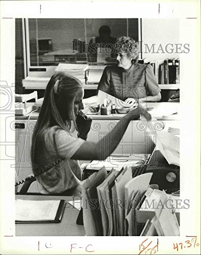 1985 Press Photo Newspapers - Sentinel Review Personnel - Group