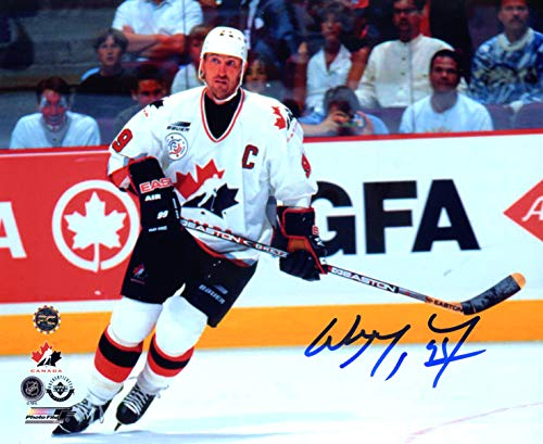 "Wayne Gretzky Team Canada Signed Autographed 8"" x 10"" Photo"