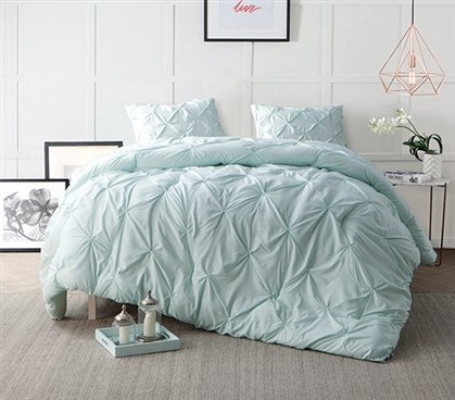 Hint of Mint Pin Tuck Full Comforter B01FRFWXIY