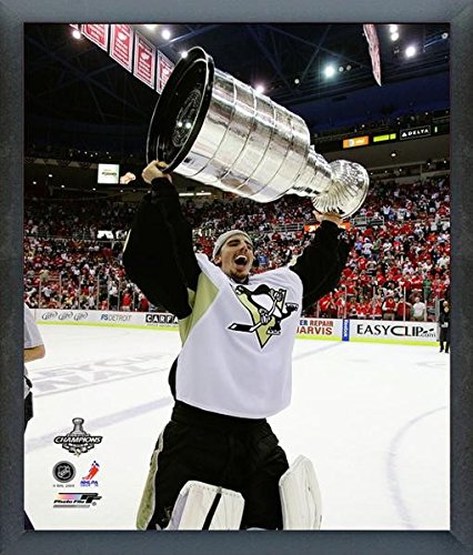 Cup Stanley Framed 2009 (Marc-Andre Fleury Pittsburgh Penguins 2009 NHL Stanley Cup Finals Trophy Photo (Size: 12