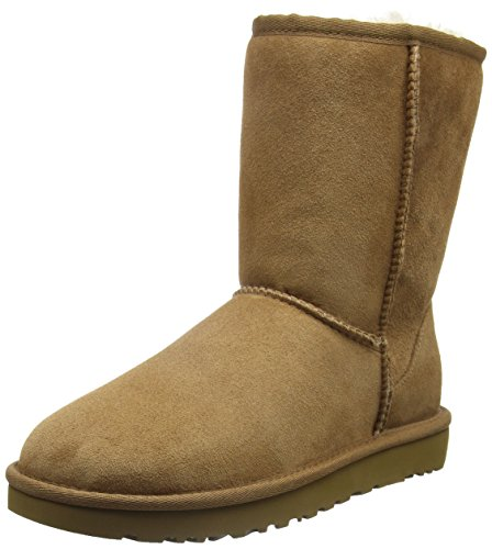 (UGG Women's Classic Short II Winter Boot, Chestnut, 7 B US 5.5 UK)