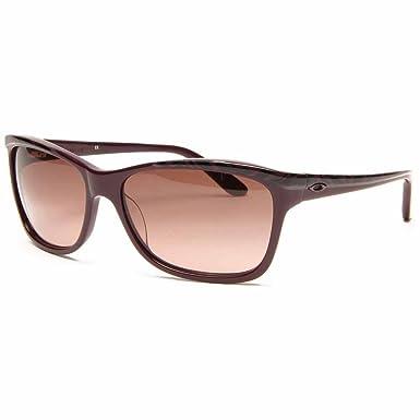 cdf4059d4 Oakley Women's Confront Sport Sunglasses,Blackberry Magic Frame/G40 Black  Gradient Lens,One