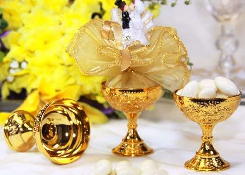 JenlyFavors Plastic Chalice Cup Gold (12 -