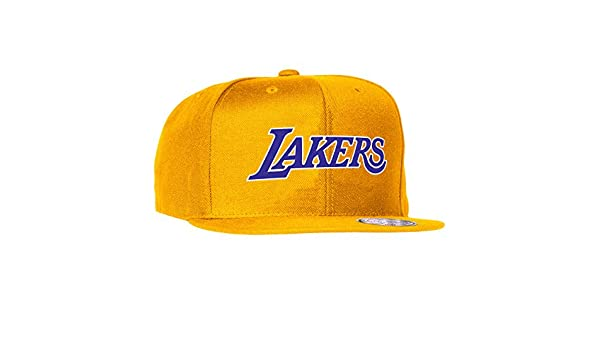 cheap for discount aeecc 1de54 Amazon.com   Mitchell   Ness Los Angeles Lakers NBA Current Wool Solid 2  Snapback Cap (Gold)   Clothing