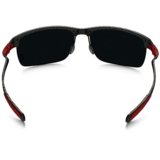 d2833a121b4 Oakley Carbon Blade OO9174 C66 917406 Polarized Sunglasses  Amazon.co.uk   Clothing
