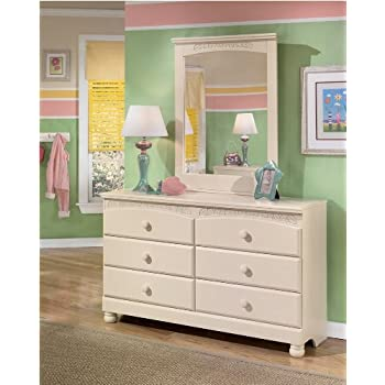 Ashley Furniture Signature Design   Cottage Retreat Dresser   6 Drawers    Casual Styling   Cream