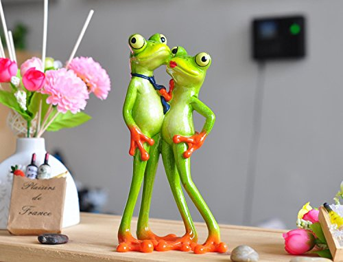 Creative Innovative Products 2017 New Interesting Resin Frog Novelty Gifts Loving Couple Figurine Creative Innovative Products
