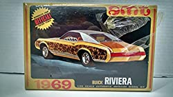 AMT #Y915 1969 Buick Riviera RARE 1:25 Scale Plastic Model Kit NEEDS ASSEMBLY by Amt