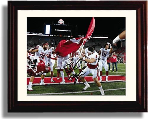 (Framed Oklahoma Sooners Baker Mayfield Planting The Flag Autograph Replica Print)