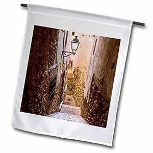 Danita Delimont–túneles–Alley–banderas de España, Cuenca