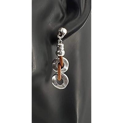 Pendientes largos realizados a mano con cuero y zamak con baño de plata de 8 micras. Pendientes boho, boho earrings
