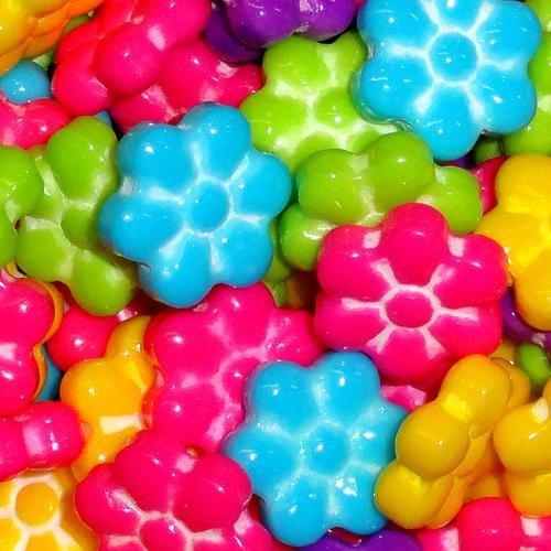Bloomin Delicious Flower Shaped Candy Assorted Flavors 2 Pounds Approx 700 Pieces
