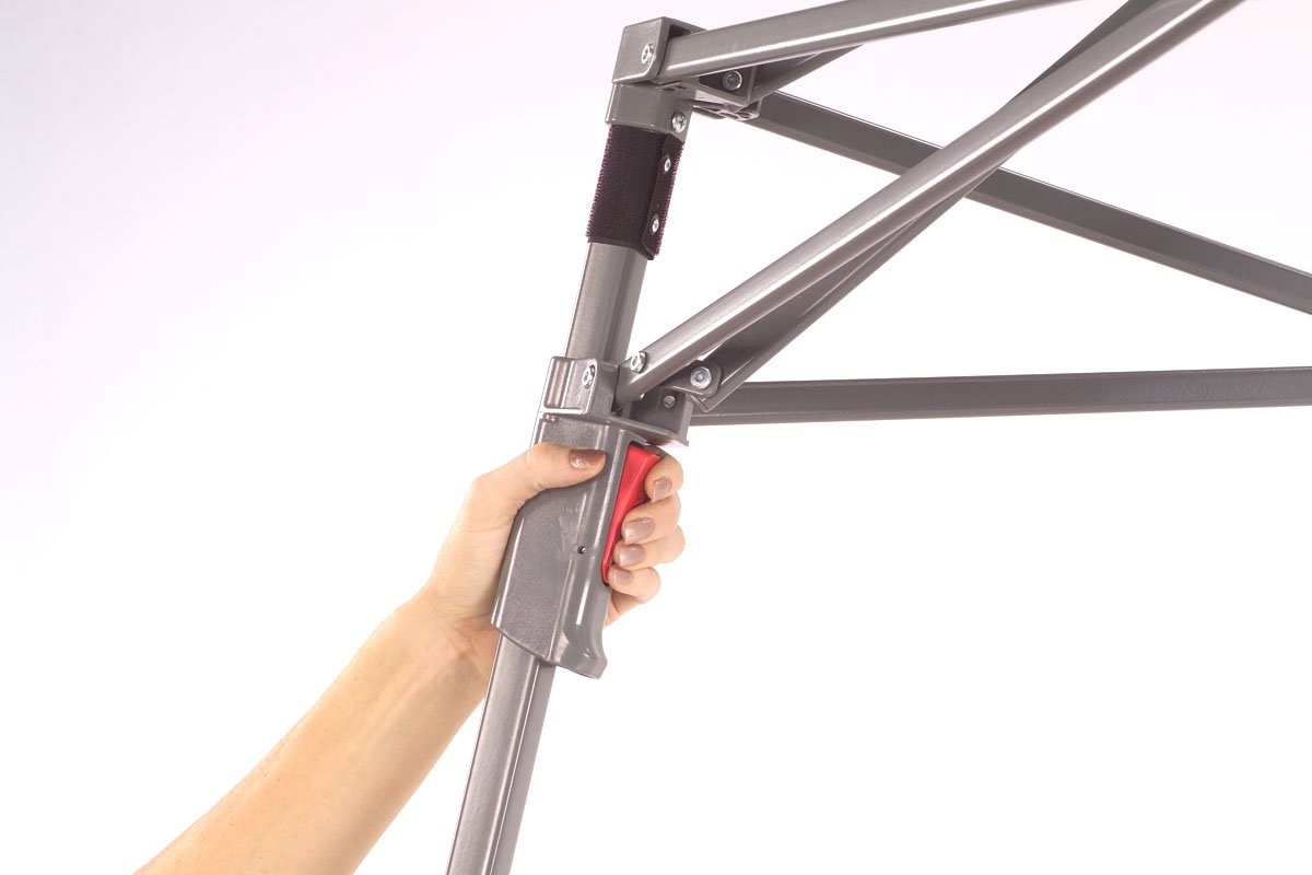 Amazon.com : Coleman 10 x 10 ft. Swingwall Instant Canopy : Sports ...